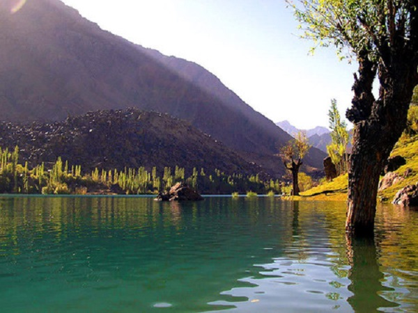 Katura Lake Nature Pakistan Wallpaper