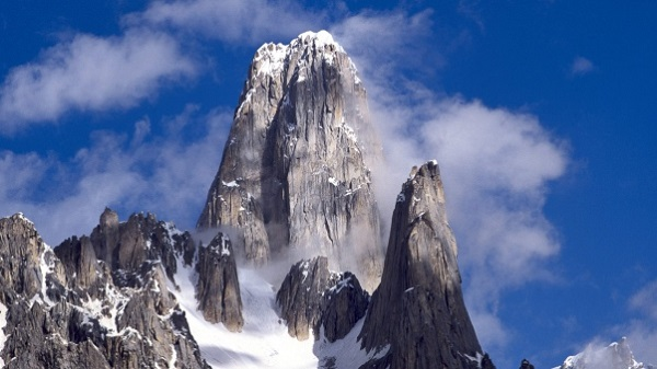 Rocky Mountain Top Pakistan Nature Wallpaper