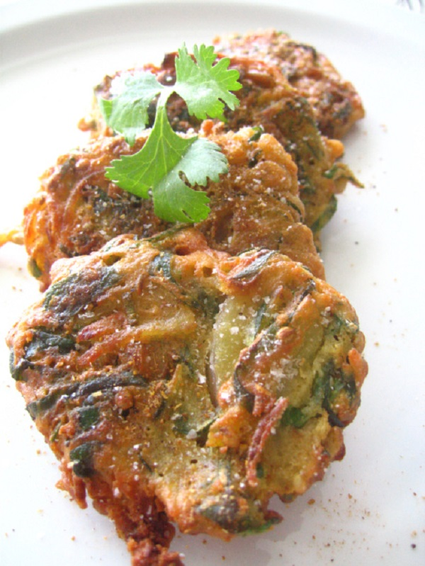 Pakoras Chickpea Flour Fritters with Spinach, Red Onion, and Potatoes Ramadan